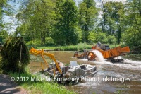 Weed clearing on the Nantes-Brest Canal