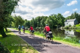 Cyclists on the Nantes-Brest Canal